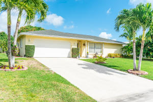 3847 Dogwood Avenue, Palm Beach Gardens, FL 33410
