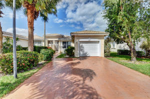 9567 Crescent View Drive N, Boynton Beach, FL 33437
