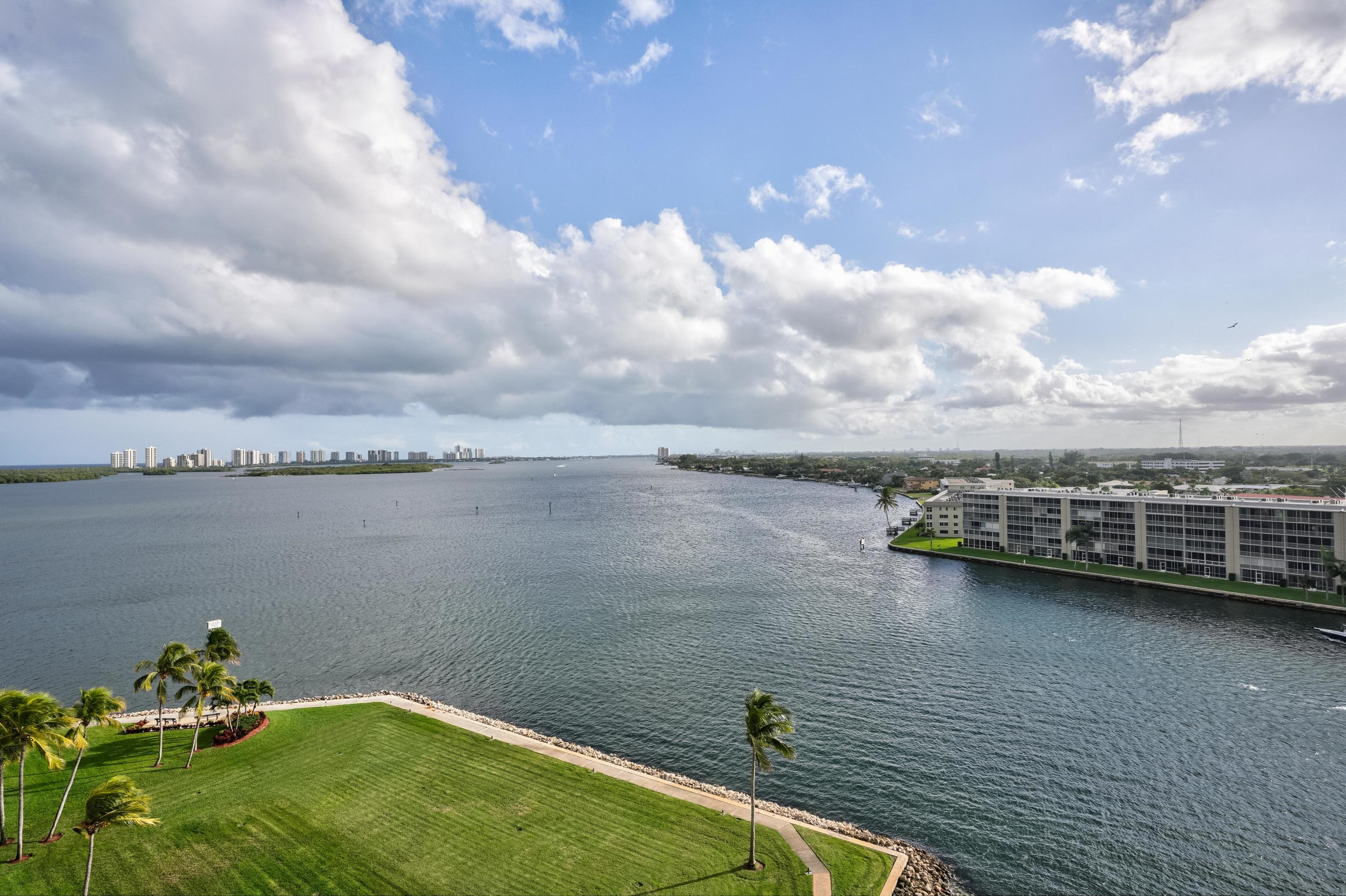 115 Lakeshore Drive, North Palm Beach, Florida 33403, 3 Bedrooms Bedrooms, ,2.1 BathroomsBathrooms,Condo/Coop,For Sale,Old Port Cove,Lakeshore,11,RX-10505590