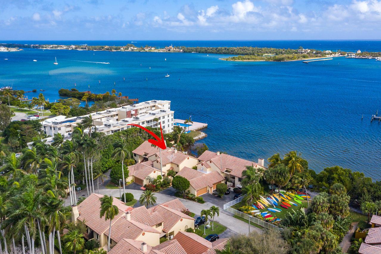 Photo of 3 Via Lago, Boynton Beach, FL 33435
