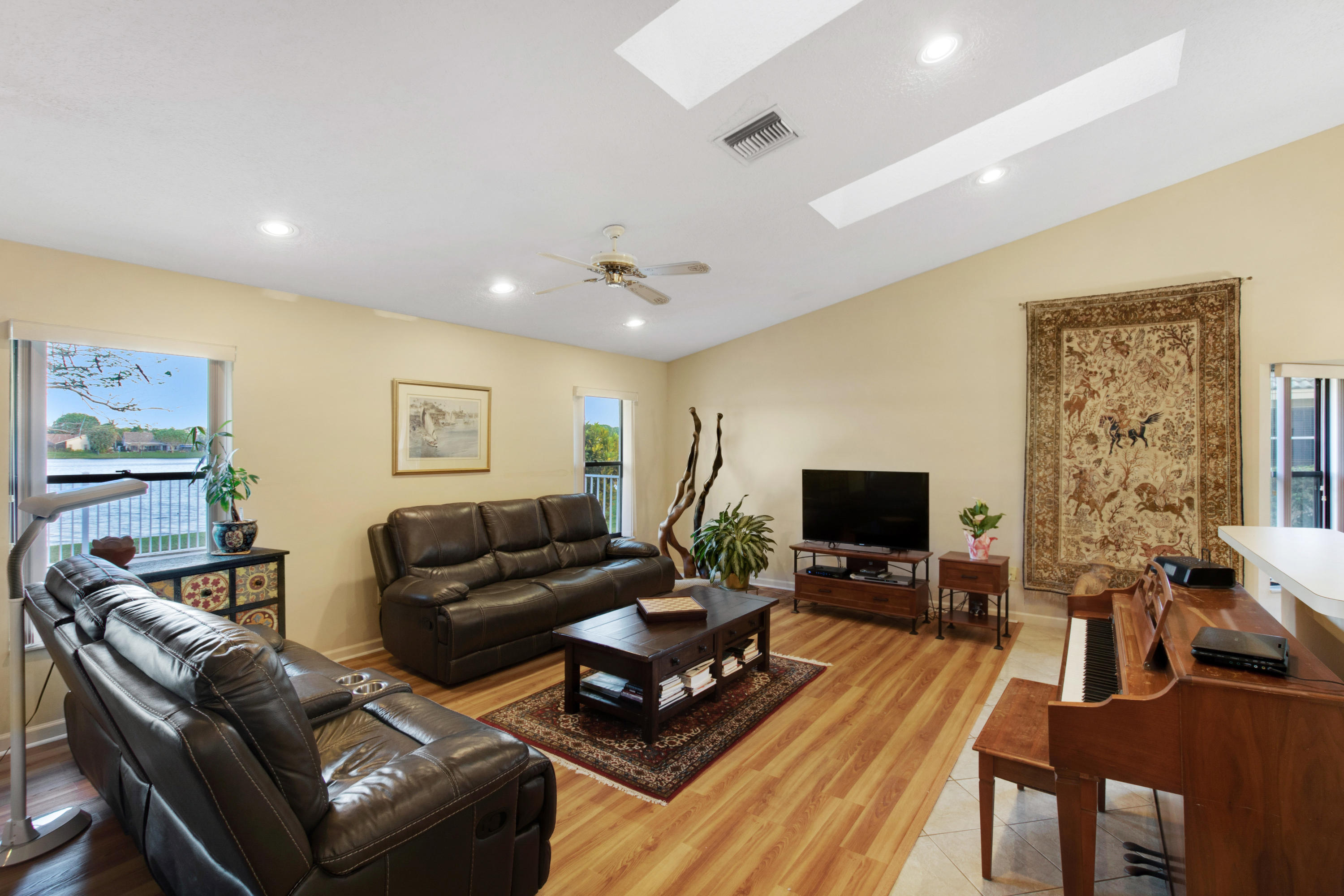 Wellington- Florida 33414, 4 Bedrooms Bedrooms, ,2 BathroomsBathrooms,Residential,For Sale,Staimford,RX-10506075