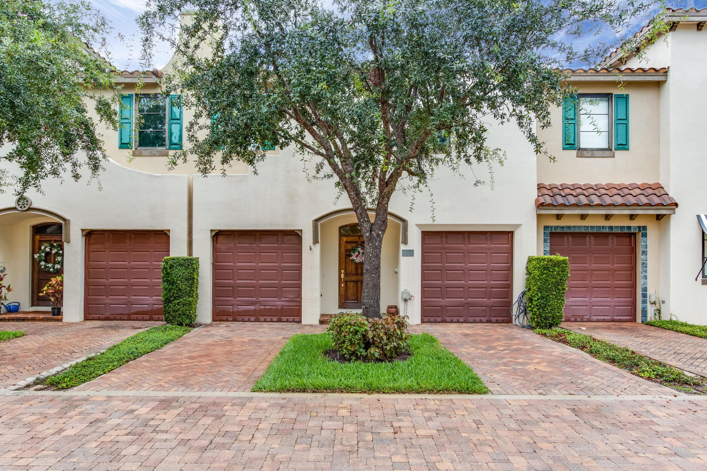 320 Via Villagio, Hypoluxo, Florida 33462, 3 Bedrooms Bedrooms, ,2.1 BathroomsBathrooms,Townhouse,For Sale,Villagio Del Mar,Via Villagio,RX-10505934