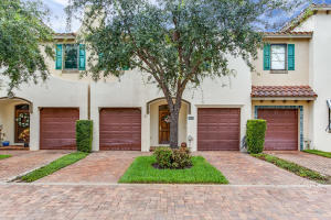 320 Via Villagio, Hypoluxo, FL 33462