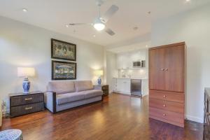 235 Sunrise Avenue, 2048, Palm Beach, FL 33480
