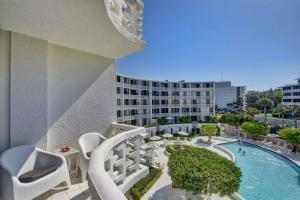 2760 S Ocean Boulevard, 310, Palm Beach, FL 33480