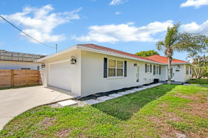 630 N Palmway, Lake Worth, FL 33460