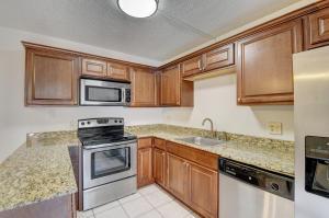 3430 San Bernadino Drive, 59-B, Delray Beach, FL 33445
