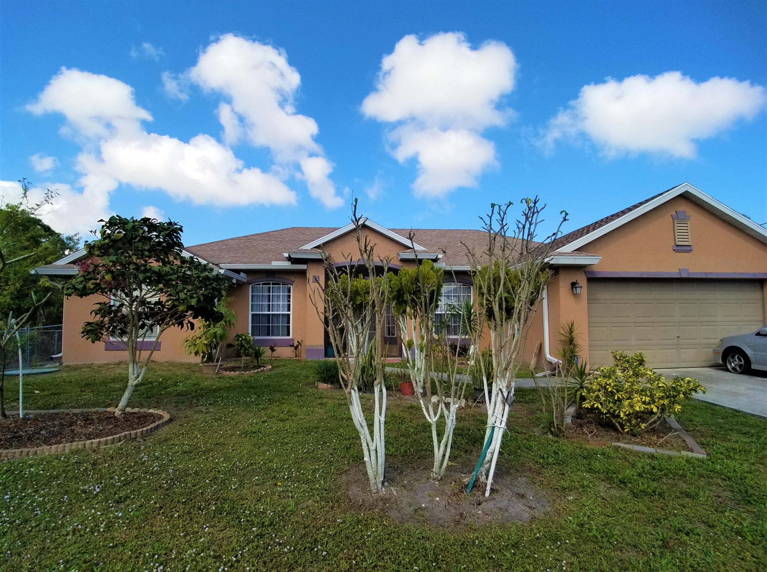 2565 Mariposa Avenue, Port Saint Lucie, Florida 34952, 3 Bedrooms Bedrooms, ,2 BathroomsBathrooms,Single Family,For Sale,Mariposa,RX-10506498