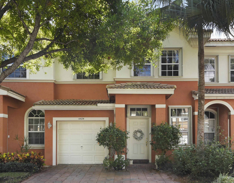 4424 Regal Court, Delray Beach, Florida 33445, 3 Bedrooms Bedrooms, ,2.1 BathroomsBathrooms,Townhouse,For Sale,LEGACY,Regal,RX-10506499