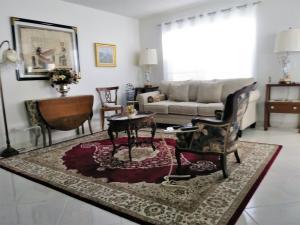 Living Room Lite & Brite