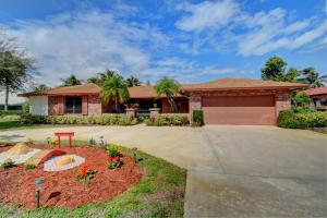 705 Hillcrest Road, Boynton Beach, FL 33435