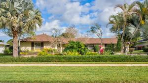 561 Greenway Drive, North Palm Beach, FL 33408