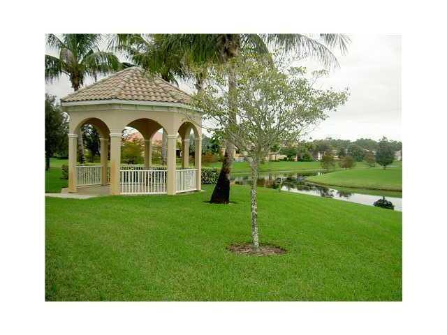 5039 Magnolia Bay Circle Palm Beach Gardens FL 33418