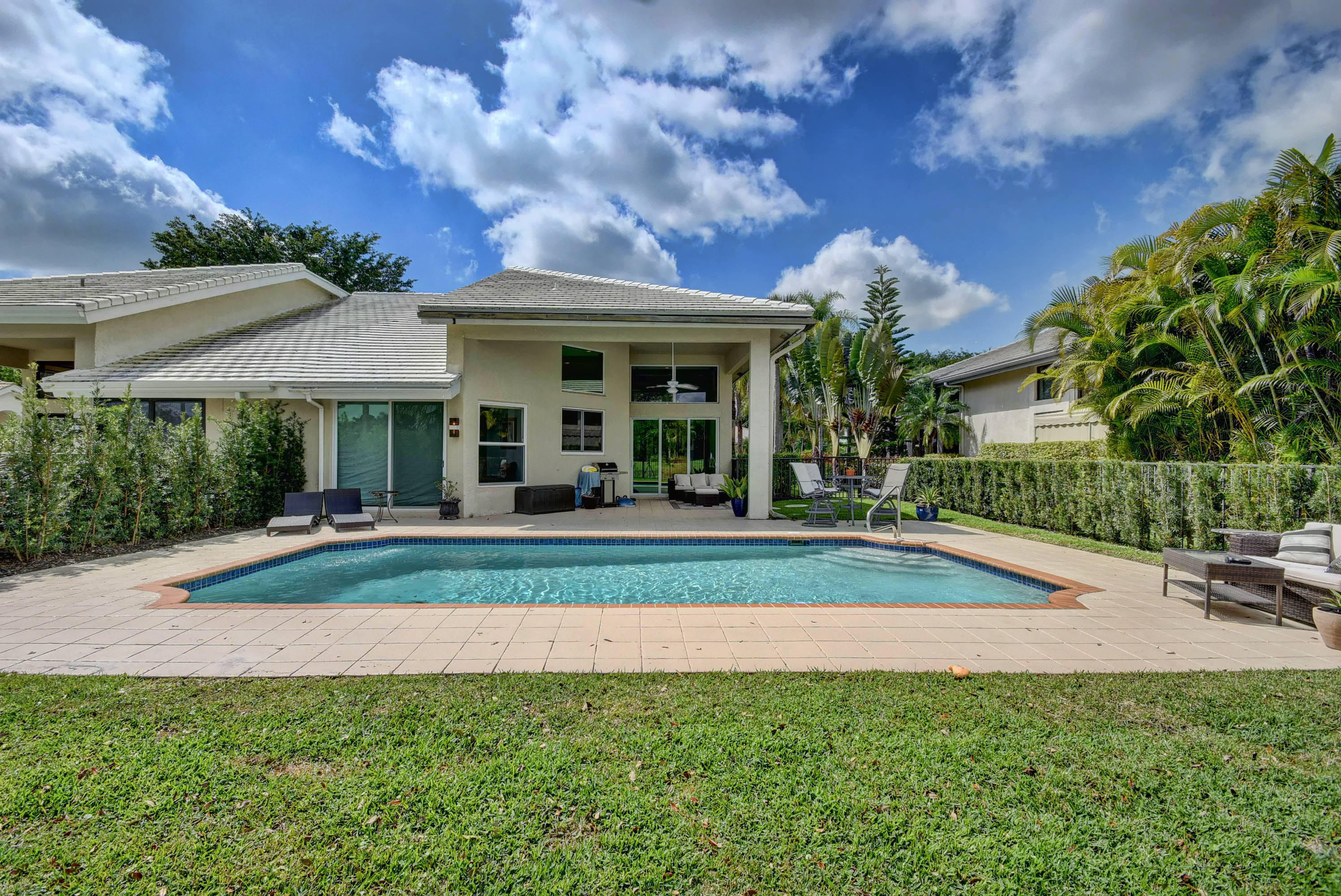 2700 Twin Oaks Way- Wellington- Florida 33414, 2 Bedrooms Bedrooms, ,2.1 BathroomsBathrooms,Villa,For Rent,PALM BEACH POLO,Twin Oaks,RX-10509333