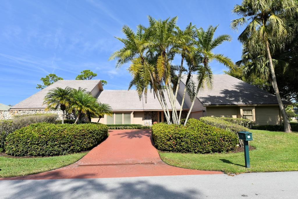 1 Surrey Road Palm Beach Gardens FL 33418