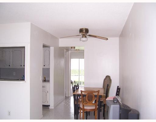 196 Sheffield I, West Palm Beach, Florida 33417, 1 Bedroom Bedrooms, ,1 BathroomBathrooms,Condo/Coop,For Rent,Sheffield I,196,RX-10509014