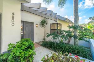 4800 Boxwood Circle, Boynton Beach, FL 33436