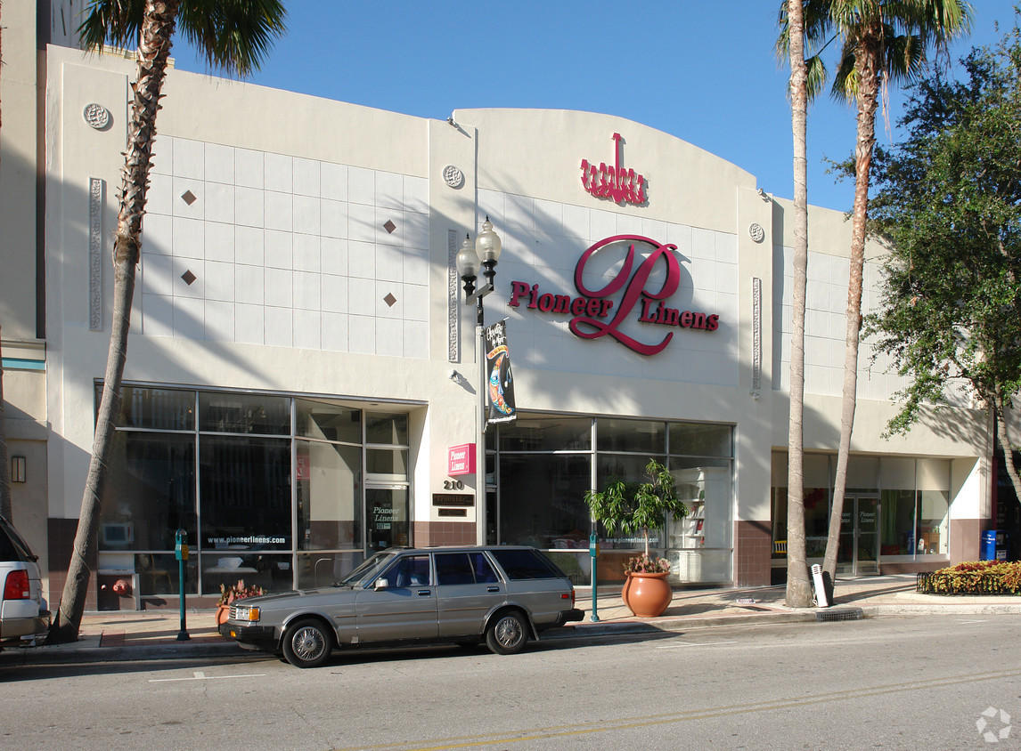 210-214 Clematis Street is 15,383sf of retail, warehouse and office space and has 75ft of prime frontage on Clematis Street. 210-214 Clematis sits on 0.2526 acres of land (11,173 sf).210-214 Clematis to be sold with 209 Clematis Street. 209 Clematis is currently a 0.1757 acre parking lot comprising 20 parking spaces. 209 Clematis provides 50ft of prime frontage. All of the properties have service alleyways in the rear.