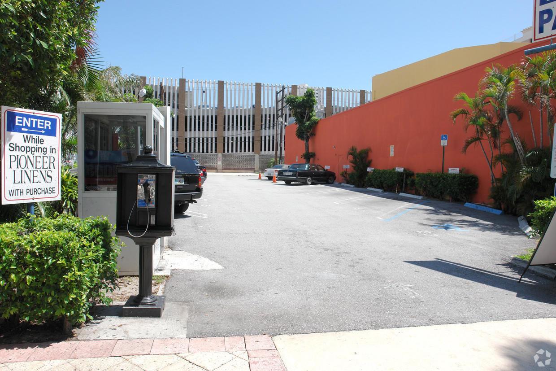 209 Clematis Street