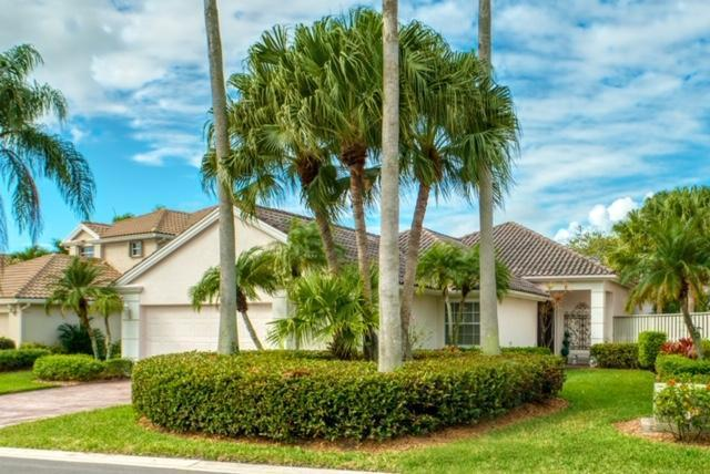 Home for sale in Pinehurst In  Pga National Palm Beach Gardens Florida