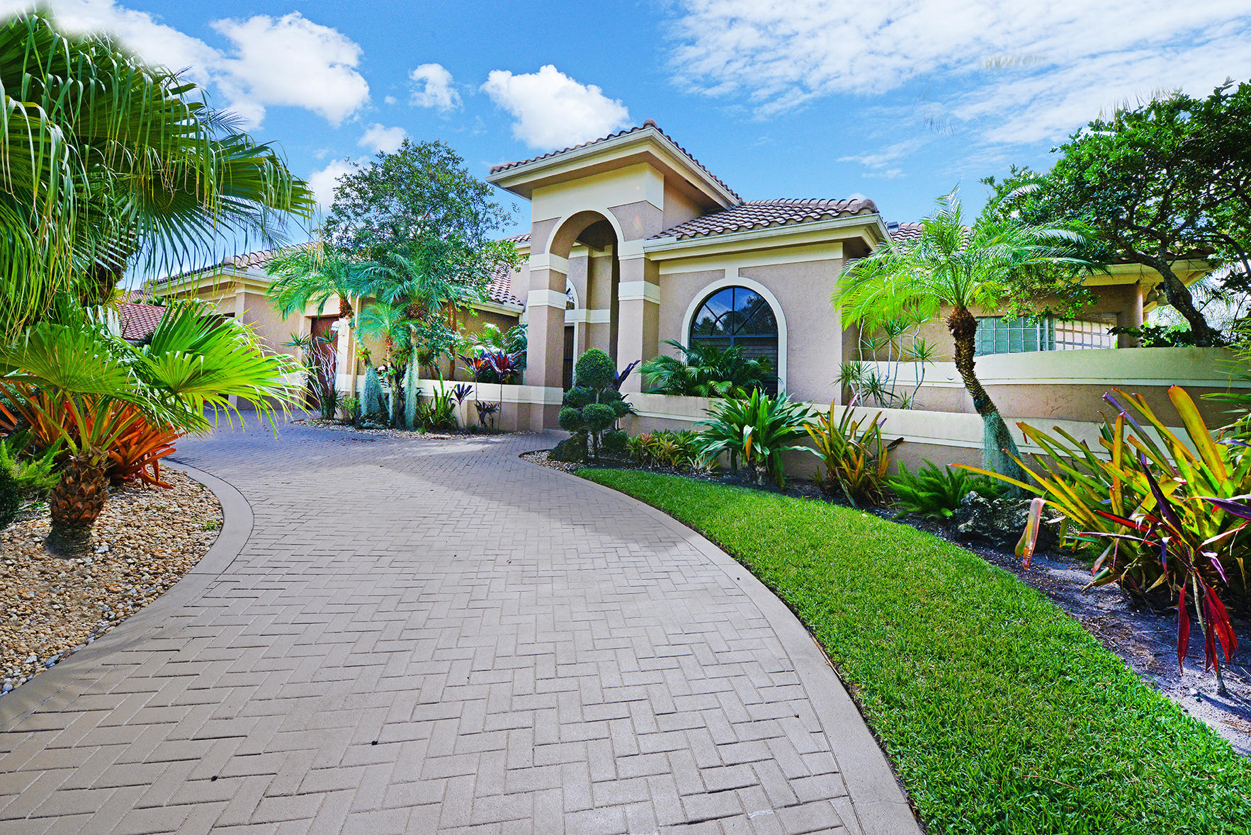 Photo of 6694 Newport Lake Circle, Boca Raton, FL 33496