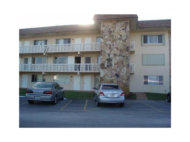 200 Village Green Circle, Palm Springs, Florida 33461, 1 Bedroom Bedrooms, ,1 BathroomBathrooms,Condo/Coop,For Rent,Village Green,3,RX-10511002