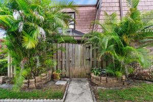 7628 Courtyard Run W, Boca Raton, FL 33433