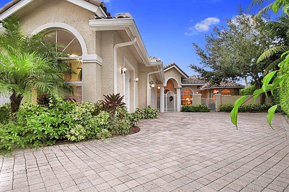14300 Calypso Lane, Wellington, Florida 33414, 4 Bedrooms Bedrooms, ,4 BathroomsBathrooms,Villa,For Rent,Equestrian Club Estates,Calypso,1,RX-10511407
