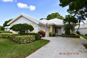 8660 Wakefield Drive, Palm Beach Gardens, FL 33410