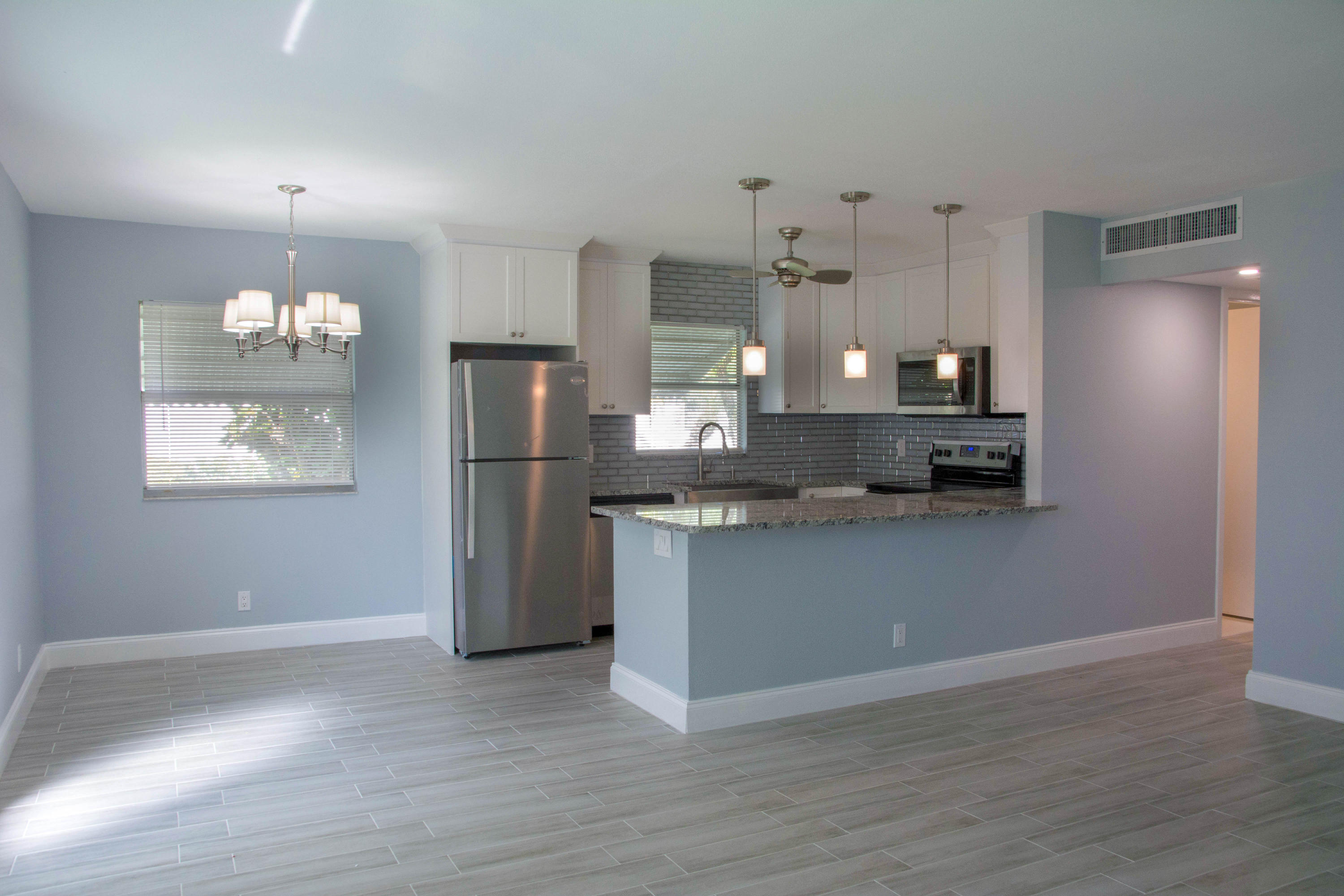 136 Waterford F, Delray Beach, Florida 33446, 2 Bedrooms Bedrooms, ,2 BathroomsBathrooms,Condo/Coop,For Sale,Kings Point,Waterford F,1,RX-10511755