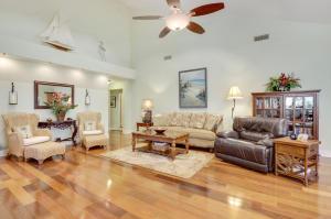 305 Natchez Court, Jupiter, FL 33477