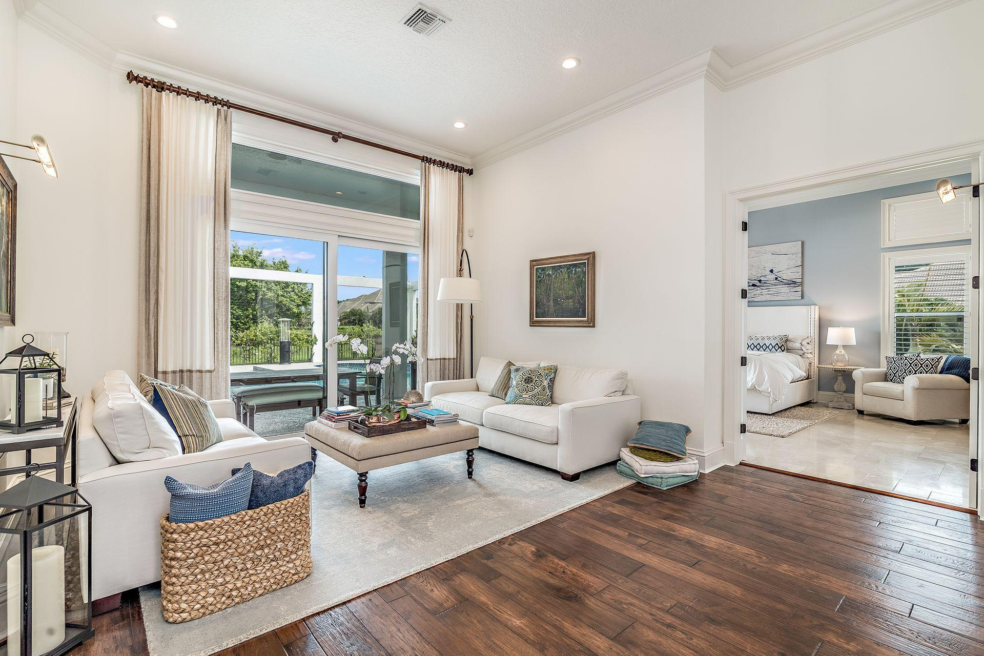 Wellington- Florida 33414, 4 Bedrooms Bedrooms, ,3 BathroomsBathrooms,Residential,For Sale,Weatherly,RX-10512929