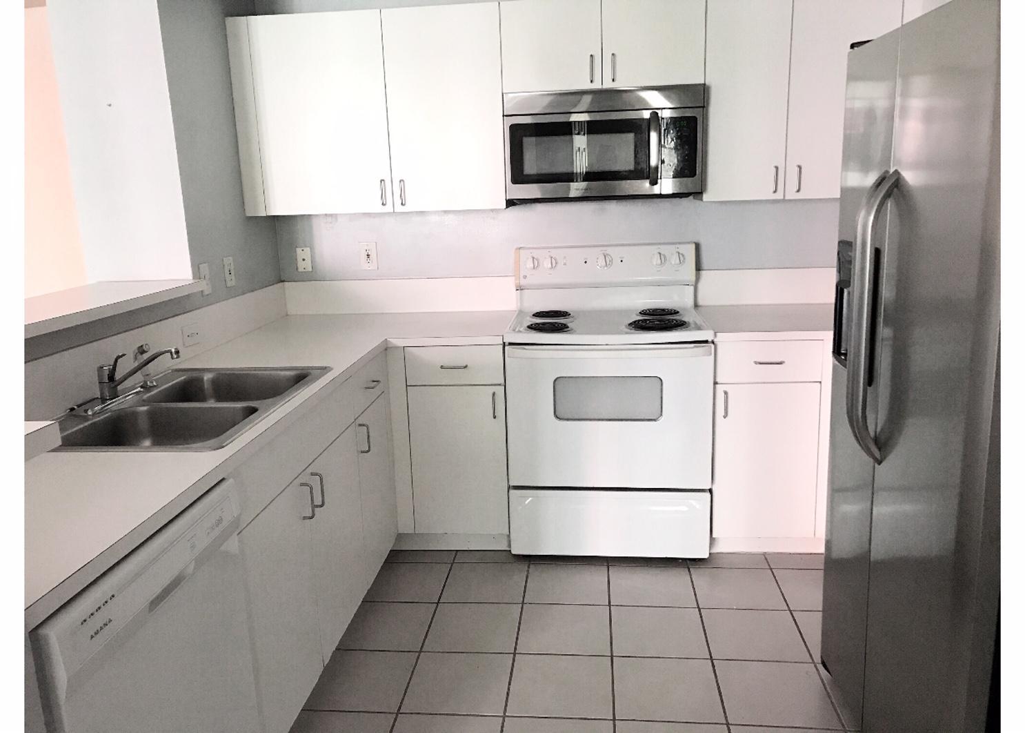 720 Sapodilla Avenue, West Palm Beach, Florida 33401, 2 Bedrooms Bedrooms, ,2 BathroomsBathrooms,Condo/Coop,For Rent,Sapodilla,2,RX-10513487