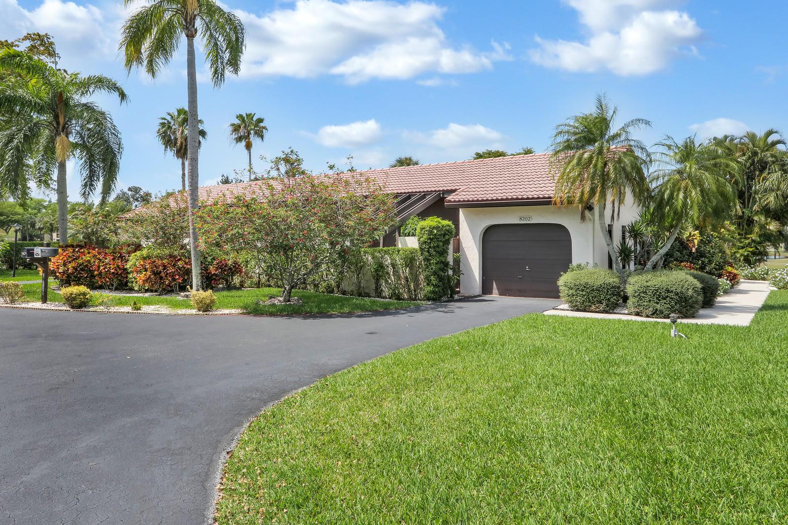 8202 Casa Del Lago #25-a Boca Raton, FL 33433