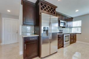 6646 Villa Sonrisa Drive, 520, Boca Raton, FL 33433