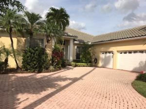 8933 Lakes Blvd, West Palm Beach, FL 33412