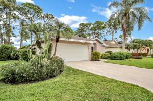 6829 Touchstone Circle, Palm Beach Gardens, FL 33418