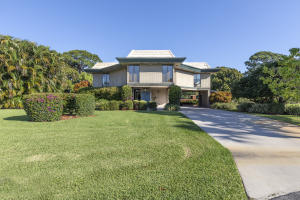 10355 Seagrape Way, Palm Beach Gardens, FL 33418