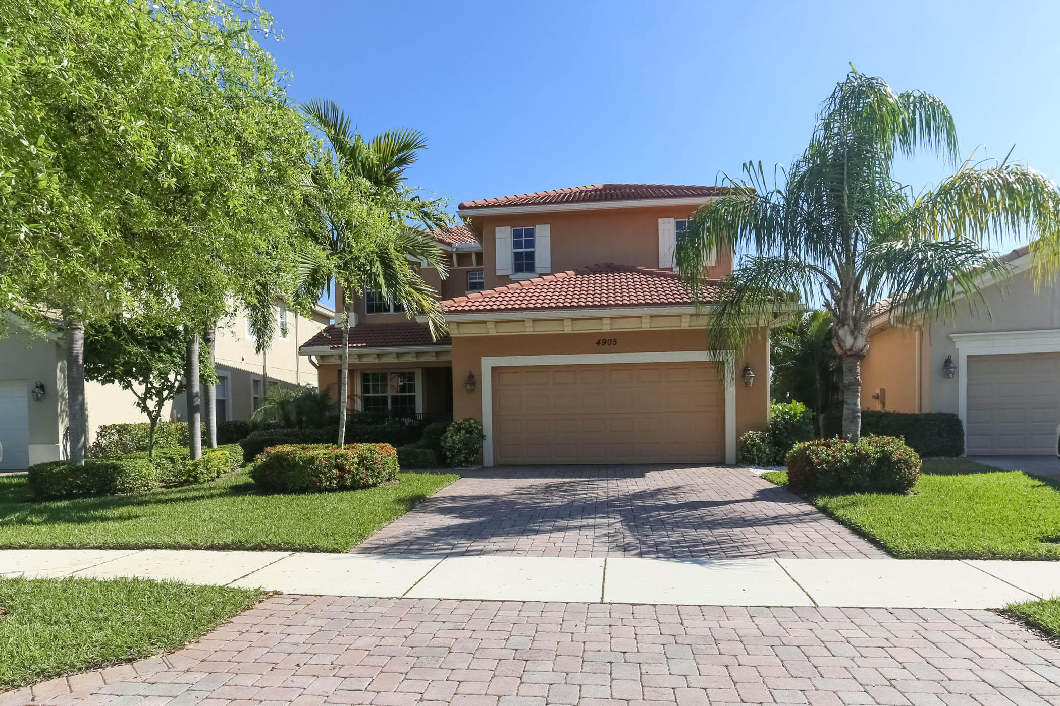 4905 Pacifico Court Palm Beach Gardens FL 33418