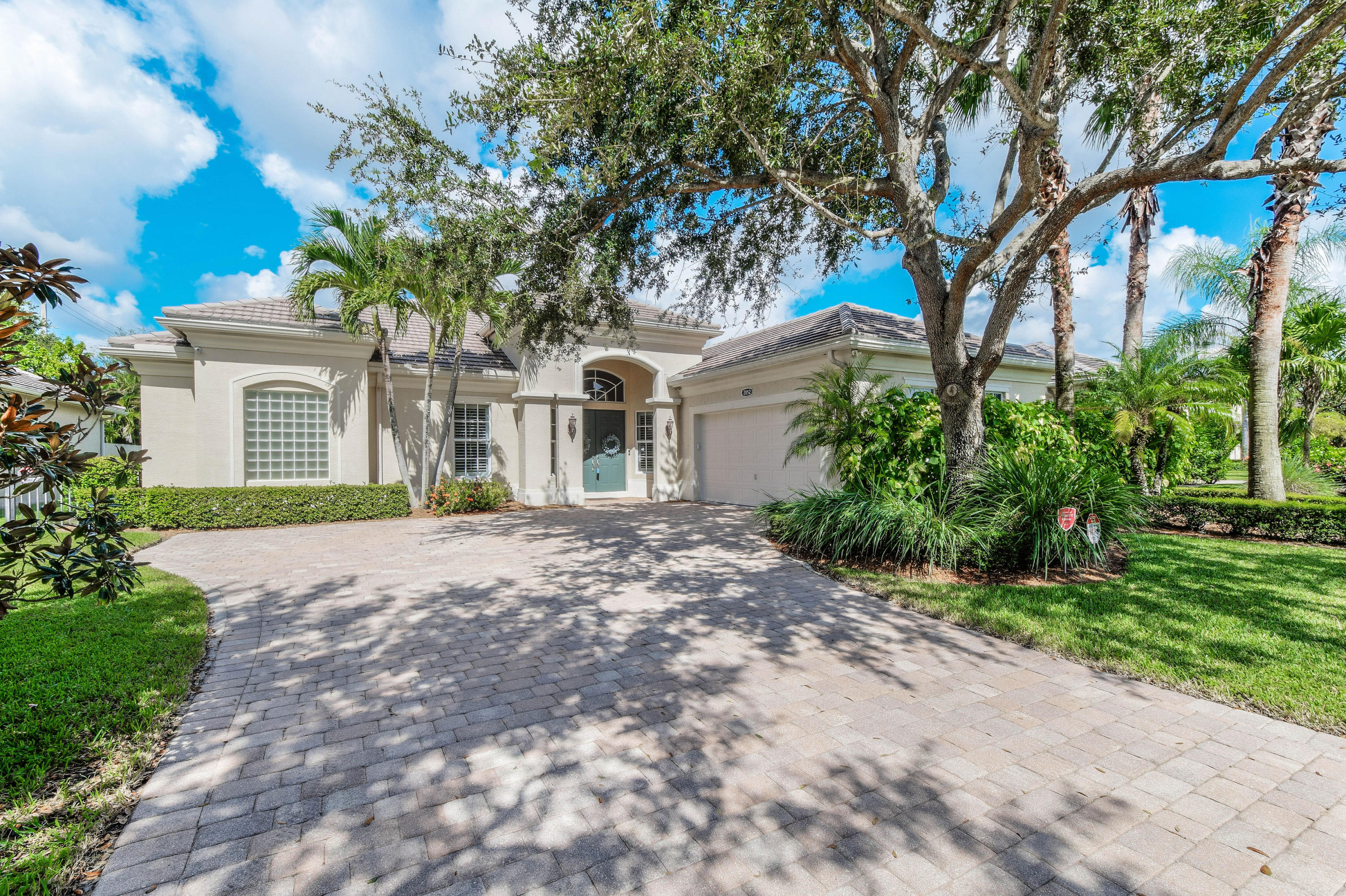 2052 Wightman Drive- Wellington- Florida 33414, 3 Bedrooms Bedrooms, ,3 BathroomsBathrooms,Single Family,For Rent,Palm Beach Polo,Wightman,RX-10515854
