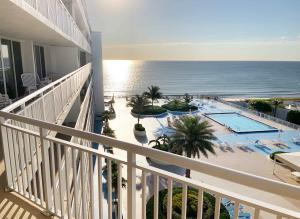3546 S Ocean Boulevard, 706, South Palm Beach, FL 33480