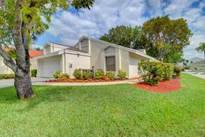88 Swallow Drive, Boynton Beach, FL 33436
