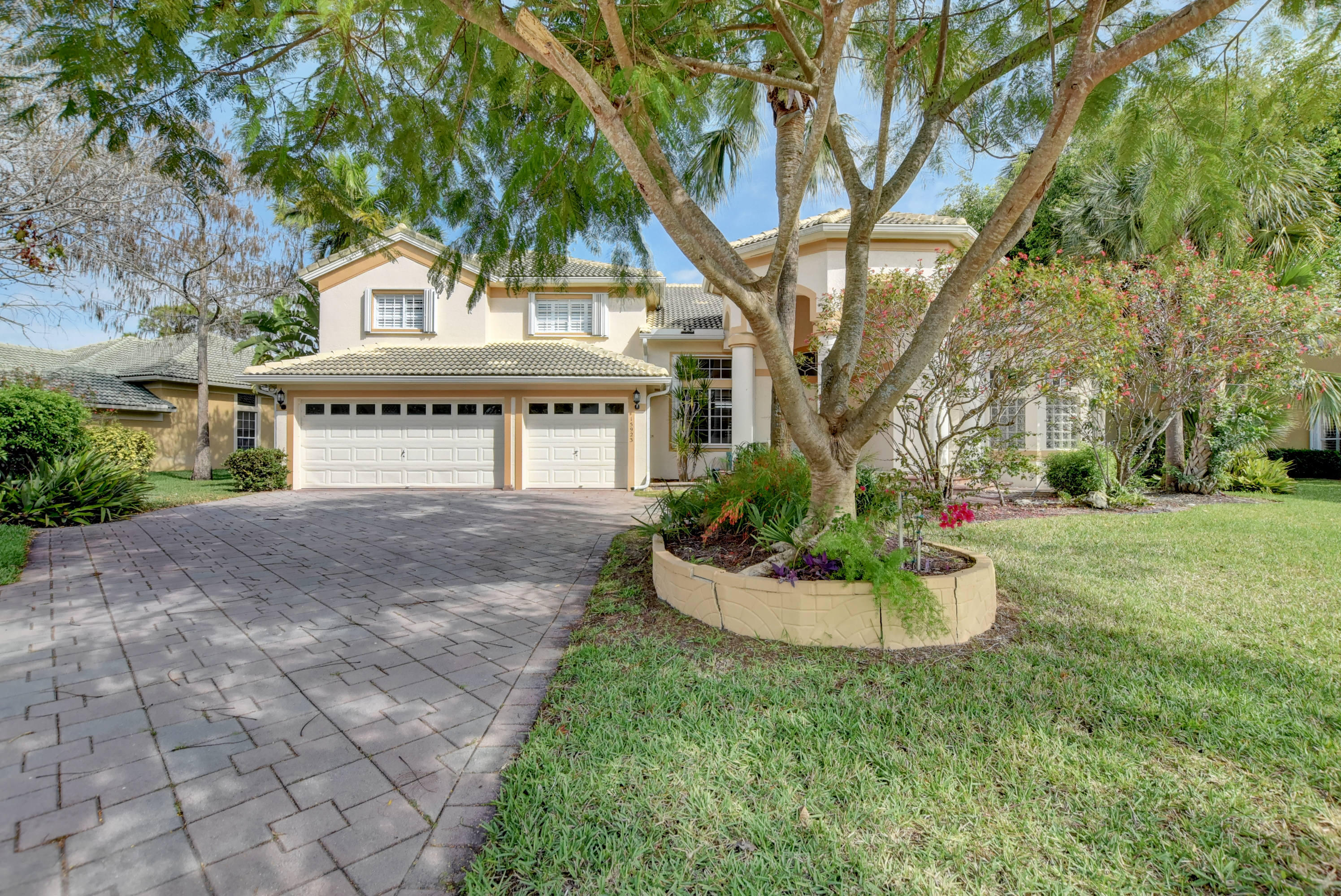 15923 Cypress Park Drive, Wellington, Florida 33414, 5 Bedrooms Bedrooms, ,3 BathroomsBathrooms,Single Family,For Sale,BINKS FOREST / THE LANDINGS AT WELLINGTON,Cypress Park,RX-10508262