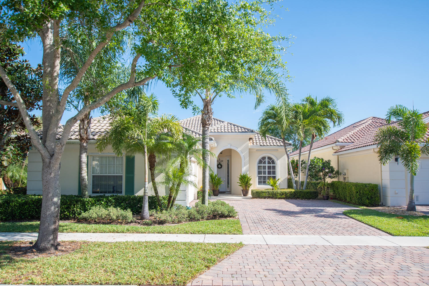 8139 Nevis Place, Wellington, Florida 33414, 3 Bedrooms Bedrooms, ,3 BathroomsBathrooms,Single Family,For Sale,VillageWalk,Nevis,RX-10517827