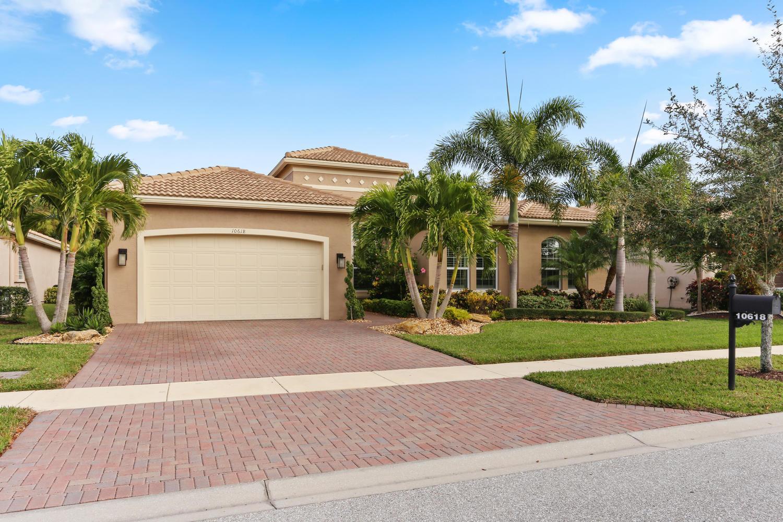 10618 Whitewind Circle  Boynton Beach FL 33473