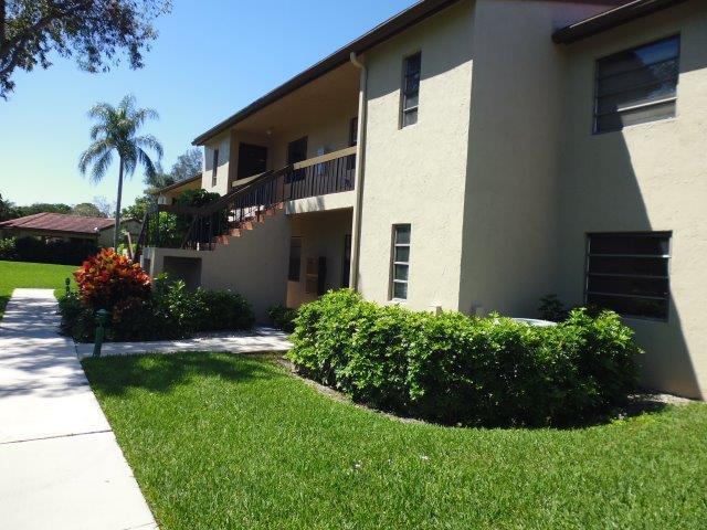 8545 Casa Del Lago #e Boca Raton, FL 33433