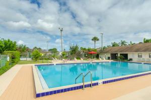 2206 Seaside Drive, Greenacres, FL 33463
