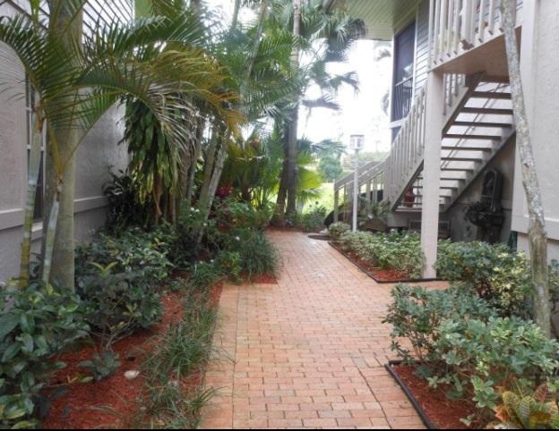 7618 Elmridge Drive #8L Boca Raton, FL 33433