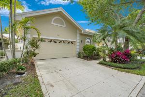 260 W Canterbury Drive W, Palm Beach Gardens, FL 33418
