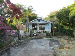 8534 SE Date Street, Hobe Sound, FL 33455